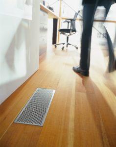 Designová krycí mřížka v podlaze